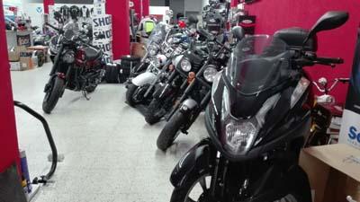 Badajoz-centro-comercial_ibox-moto-12