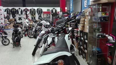 Badajoz-centro-comercial_ibox-moto-5