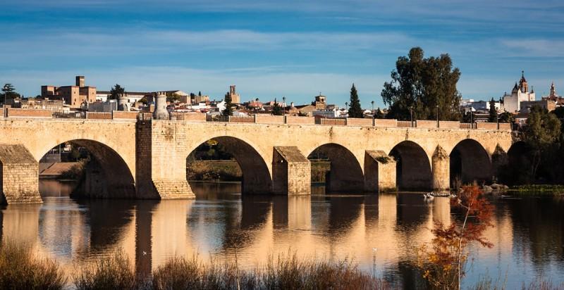 acturismo_visitas-guiadas-badajoz_puente-viejo